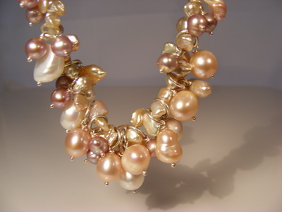 Natural Pinky & peachy  colour freshwater & keshi pearl necklace