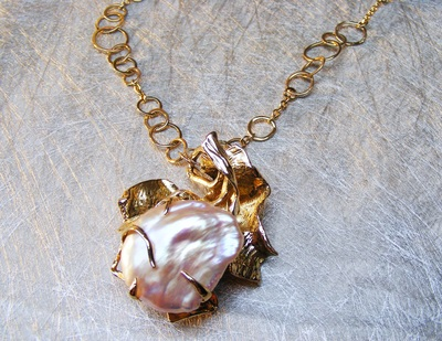 Hand-made solid gold chain links, with rare natural Biwa pearl, encased in molten tendrils of gold pendant