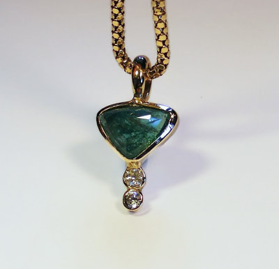 Natural Trillion-cut Emerald & diamond gold pendant