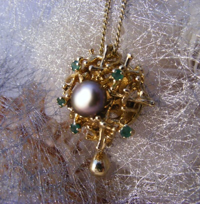 18ct gold 'birdsnest' pendant with natural Emeralds, and natural dark pearl, and gold droplet, pendant