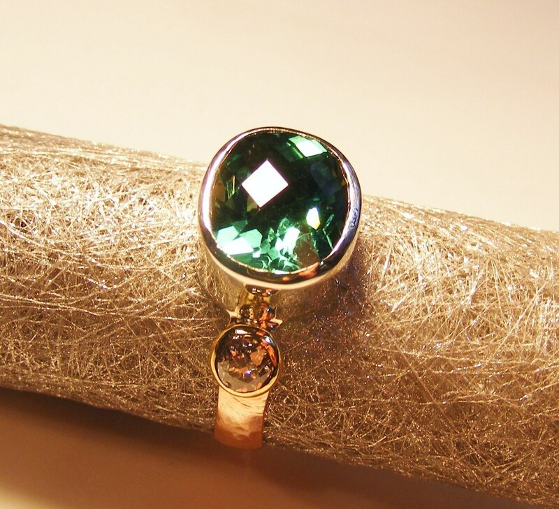 checkerboard green sapphire & diamond gold ring